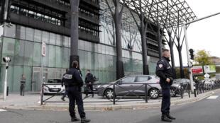La tentative d'assassinat a eu lieu au tribunal de Melin où le bâtonnier devait notifier ce jeudi à l'avocat son interdiction d'exercer.