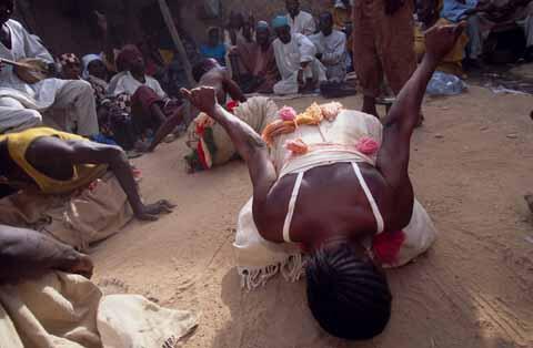Wasu daga cikin masu wasan bori a kasar Hausa.