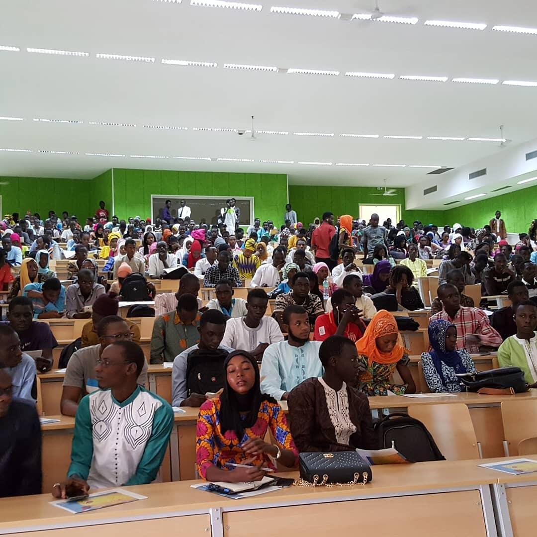 Étudiants à l'Université Alioune Diop de Bambey au Sénégal.