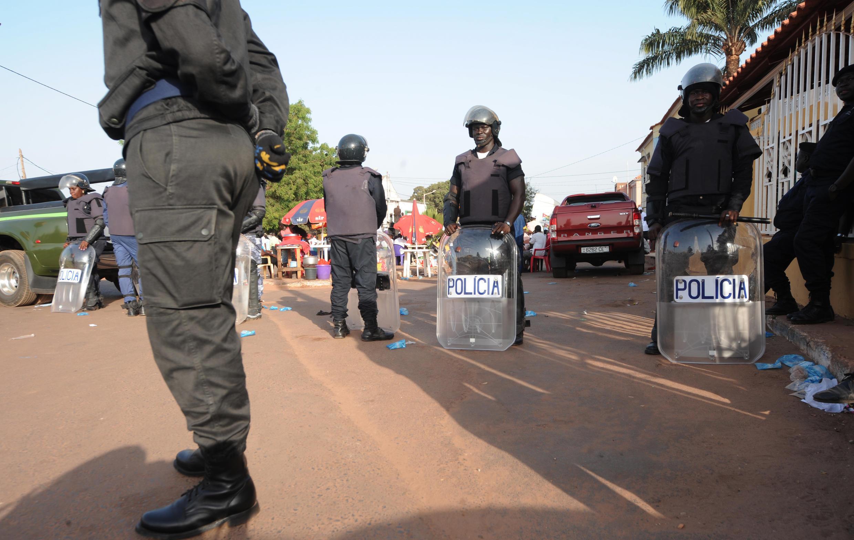 Polícias na Guiné-Bissau.