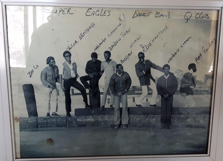 Les membre du groupe Super Eagles. En 1969, ils ont a sorti un album sur le label Decca intitulé «Viva Super Eagles».