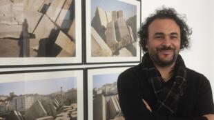 L'artiste Kader Attia expose au Mac Val, « Les racines poussent aussi dans le béton ».