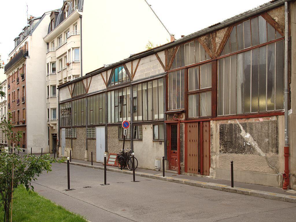 1024px-Paris_cite_falguiere