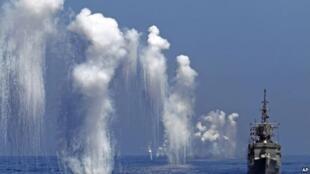 台灣的漢光軍事演習中的佩里級護衛艦(台灣稱巡防艦)(2014年9月17日)