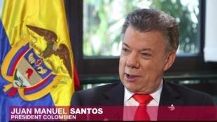 El presidente de Colombia, Juan Manuel Santos, entrevistado por RFI y France 24