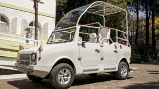 La «papamobile» malgache a été élaborée par constructeur automobile Karenjy.