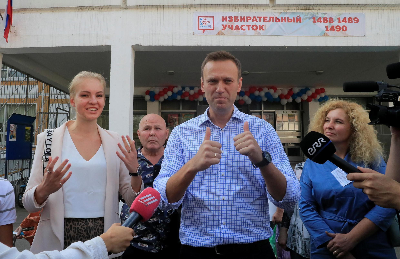 Алексей Навальный у избирательного участка в Москве, 8 сентября 2019 г.