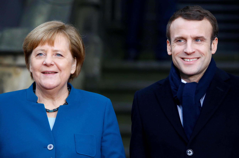 នាយករដ្ឋមន្រ្តីអាល្លឺម៉ង់ លោកស្រីមែរគែល ហើយនិងលោកប្រធានាធិបតី បារាំង ម៉ាក្រុងចុះហត្ថលេខាលើសន្ធិសញ្ញាបំពេញបន្ថែមសន្ធិសញ្ញាបារាំង អាល្លឺម៉ង់ ឆ្នាំ ១៩៦៣ នៅ Aachen ប្រទេសអាល្លឺម៉ង់ ថ្ងៃទី ២២ មករា ២០១៩