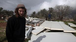 Un habitante de la colonia de Havat Gilad, el 28 de febrero de 2011.