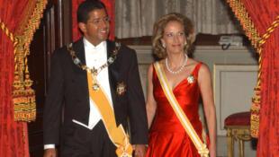 L'ancien président du Salvador Francisco Flores, accompagné de sa femme Lourdes Rodriguez.