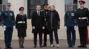 Emmanuel Macron e Theresa May durante a trigésima quinta cimeira franco-britânica na Academia Militar de Sandhurst. 18.01.2018