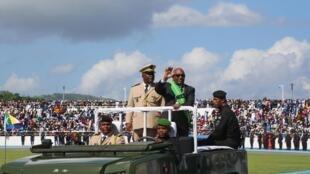 Le président Azali Assoumani a été officiellement investi à la tête des Comores dimanche 26 mai à Moroni.