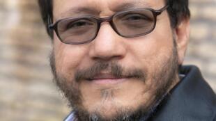 Portrait de l'écrivain colombien Santiago Gamboa.