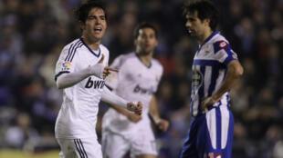 Kaká festeja gol no jogo contra La Coruña, no dia 23 de fevereiro de 2013.