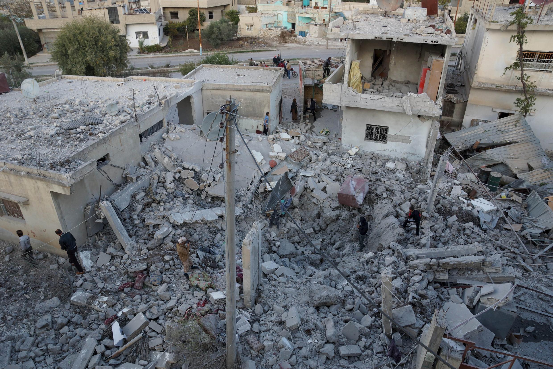 Một khu dân cư ở thành phố Nawa, Deraa (Syria) sau khi bị phi cơ Nga oanh kích ngày 21/11/2015.