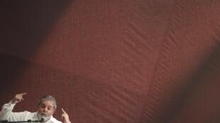 Lula discursa na abertura do congresso do PT, em Brasília
