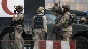 Vikosi vya usalama vya Afghanistan katika la kujitoa mhanga kwa gari katika mji wa Kabul Aprili 19.
