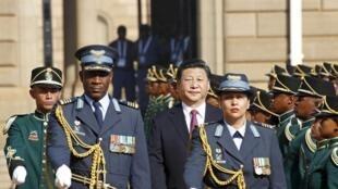 Le président chinois Xi Jinping à son arrivée à Pretoria pour le sommet Chine-Afrique, en décembre 2015.