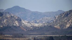 Posto fronteiriço da Coreia do Norte com Coreia do Sul.