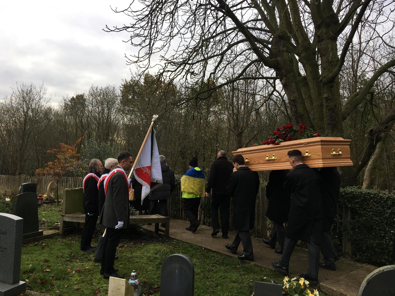 Советского диссидента и писателя Владимира Буковского похоронили в Лондоне