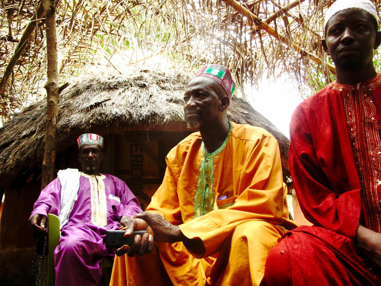 Des habitants du village de Hamdallaye.