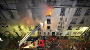 Пожар в Париже унес жизни пяти человек.