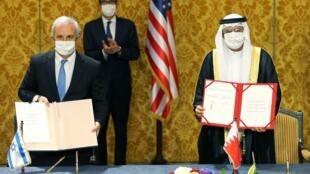 La cérémonie de signature établissant des liens diplomatiques entre Israël et Bahreïn, à Manama, ce dimanche 18 octobre 2020.