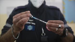 israel-vaccin-palestiniens