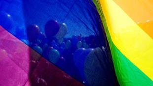 85% французов называют гомосексуальность «приемлемым образом жизни» против 24% в 1975 году.