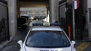 Un patrullero de la policía francesa.