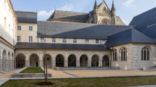 Cour intérieure du Couvent des Jacobins, là où se tient l'exposition « Debout ! ».