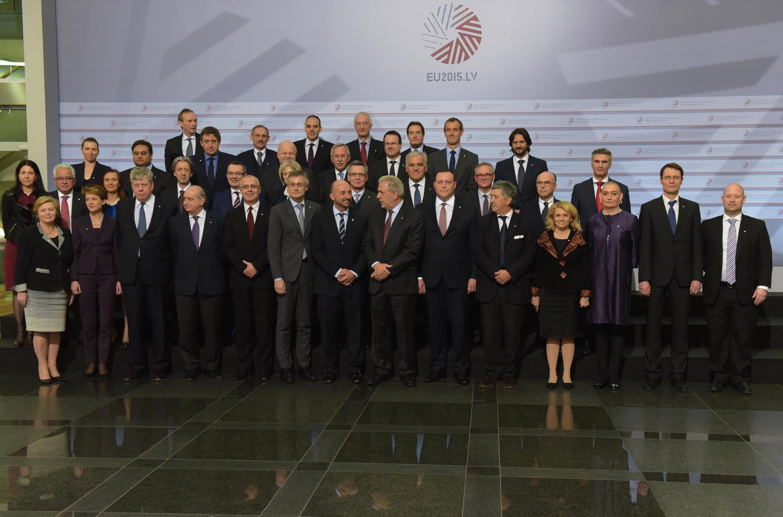 Bộ trưởng Nội vụ 28 nước Châu Âu tại Riga, 29/01/2015.