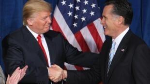 Les candidats à la présidentielle Donald Trump et Mitt Romney, le 2 février 2012, à Las Vegas.
