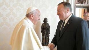教宗方濟各與美國國務卿蓬佩奧資料圖片