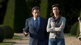 Denis Podalydès e Florence Pernel interpretam o casal Nicolas e Cecilia Sarkozy.