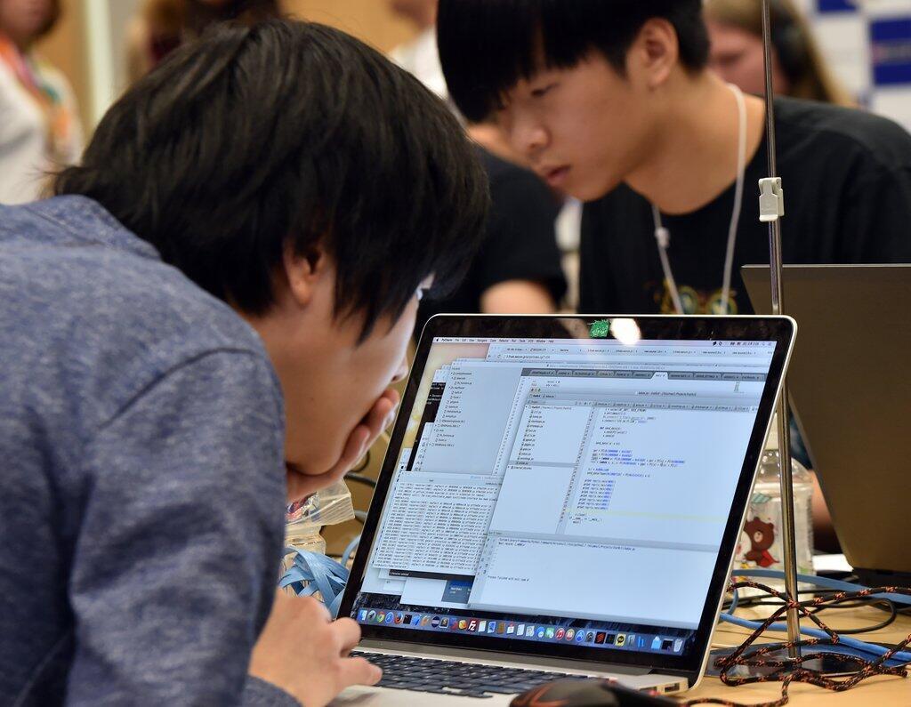 Le web sud-coréen oblige toujours les internautes à télécharger des ActiveX, une vieille technologie dépassée, pour effectuer la moindre opération en ligne.