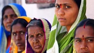 印度奧蘭加巴德的婦女。