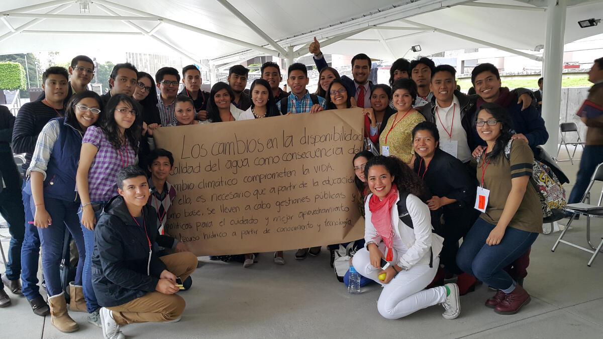Jóvenes de más de diez países de Latinoamérica se reunieron en octubre de 2015 en la Ciudad de México para el Encuentro Latinoamericano Juventud y Ambiente 2015, organizado por La Ruta del Clima.