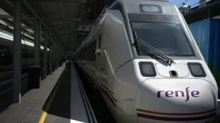 Un train à grande vitesse de la compagnie Renfe à la gare de Madrid, le 5 septembre 2019.