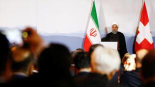 حسن روحانی، رئیس جمهوری اسلامی ایران، در طی سفر رسمی خود به سوئیس در همایش فعالان اقتصادی و تجاری در شهر برن شرکت کرد. سهشنبه ١٢ تیر/ ٣ ژوئیه ٢٠۱٨
