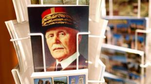 O presidente da França, Emmanuel Macron, reavivou polêmica recorrente no país ao defender homenagem ao marechal Pétain.