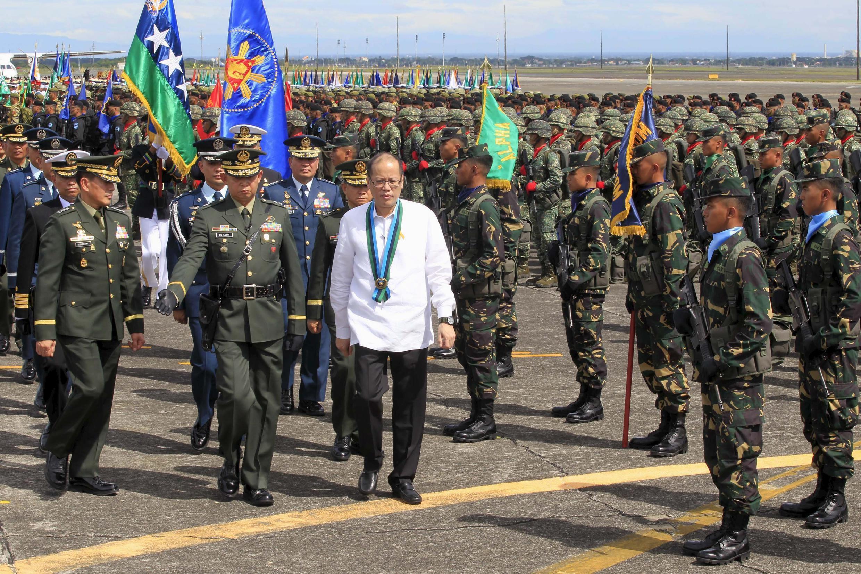 Rais wa Ufilipino, Benigno Aquino katika kambi ya jeshi la anga, Angeles city, Pampanga DIsemba 21,2015.