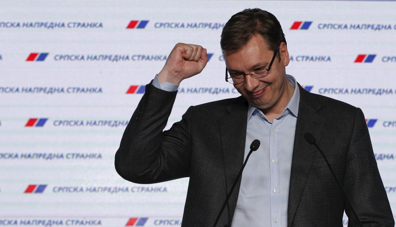 Le Premier ministre serbe Aleksandar Vučić réagissant à la victoire de son parti aux élections législatives en avril 2016.