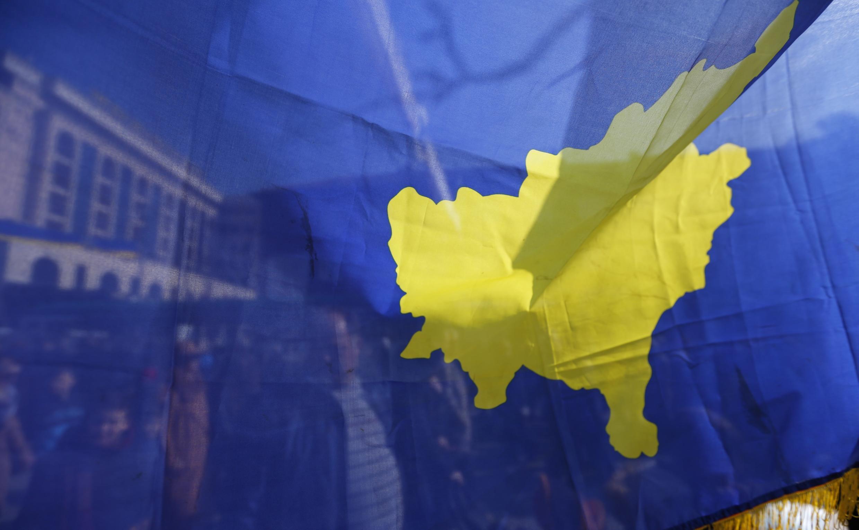 Сербия непризнает косовский суверенитет, однако ради сближения сЕСбыла вынуждена начать диалог сПриштиной.