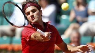 O suiço, Roger Federer,  venceu o francês Maxime Teixeira na segunda rodada de Roland Garros.