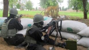 Des militaires camerounais de la force d'intervention anti-Boko Haram, en juillet dernier, dans le nord du Cameroun.