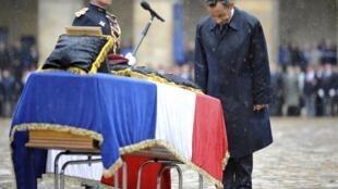 O Presidente Nicolas Sarokozy no Palácio dos Invalides em Paris nesta terça-feira (19/07/2011).