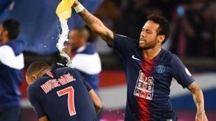 Neymar da Mbappé yayin wani wasa