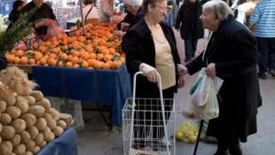 Grecia: se calculan 35.000 'reservistas',  funcionarios que pasarán en 2012 a una 'reserva' previa a la jubilación o el despido.