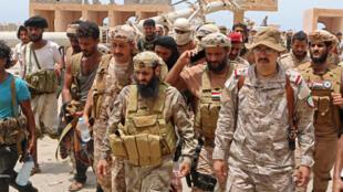 Combatentes leais aos separatistas iemenitas do STC na provícia de Abyan, fotografados em junho de 2020